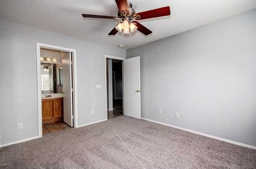 11105 W Devonshire Avenue - Photo 15