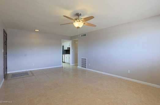 1308 E Seldon Lane - Photo 3