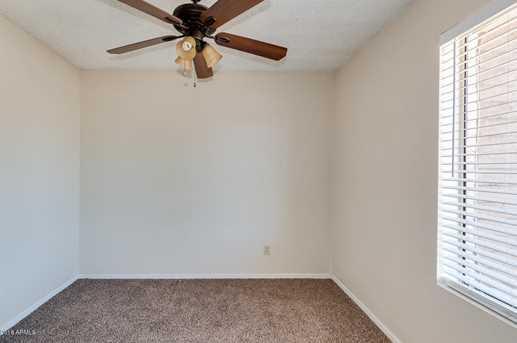 4065 W Desert Cove Avenue - Photo 15