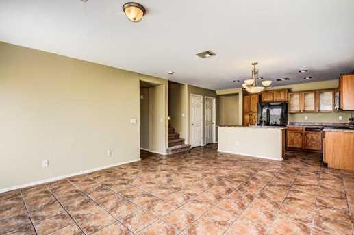 11627 W Vogel Avenue - Photo 13