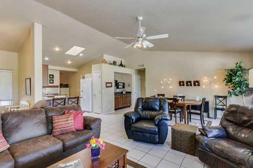 10682 W Rancho Drive - Photo 11