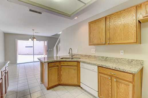 17606 N 17th Place #1127 - Photo 5