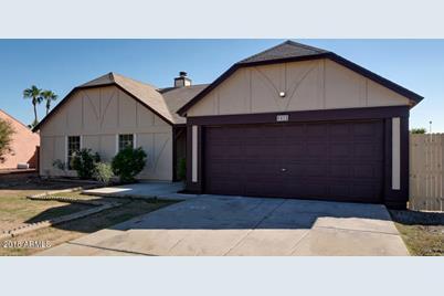 8421 W Windrose Drive - Photo 1