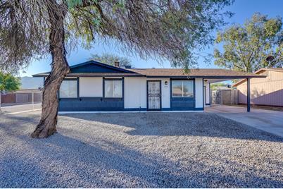 945 E Desert Drive - Photo 1