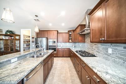 228 W White Oak Avenue - Photo 1