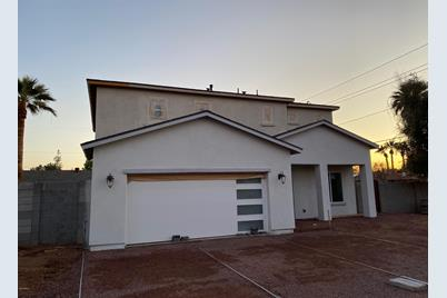 1005 E Sierra Vista Drive - Photo 1