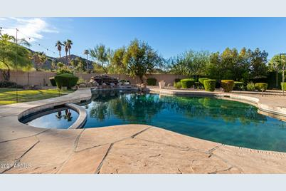 4744 E Foothill Drive - Photo 1