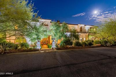 6221 W Saguaro Park Lane - Photo 1
