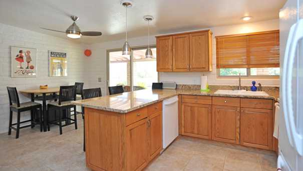 8715 N Morning View Drive - Photo 12