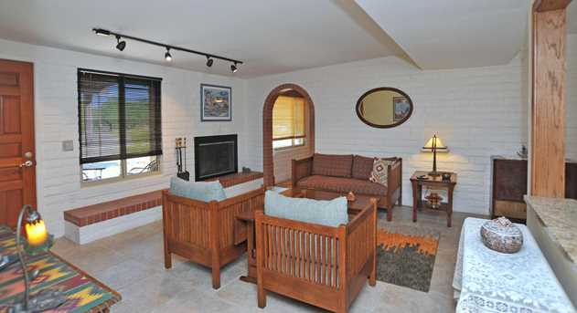 8715 N Morning View Drive - Photo 10