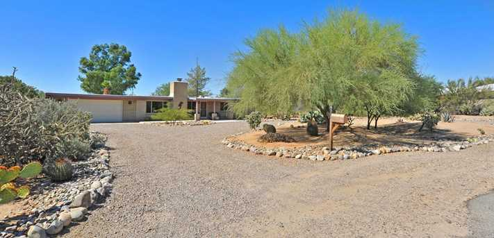 8715 N Morning View Drive - Photo 1