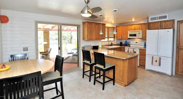 8715 N Morning View Drive - Photo 13