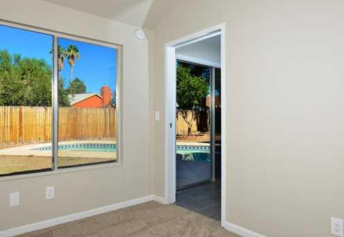 4722 N Warner Terrace - Photo 17