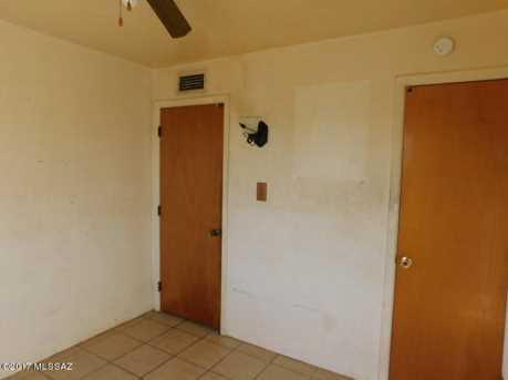 5819 E 35th Street - Photo 8