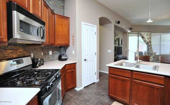 8720 N Shadow Wash Way - Photo 9