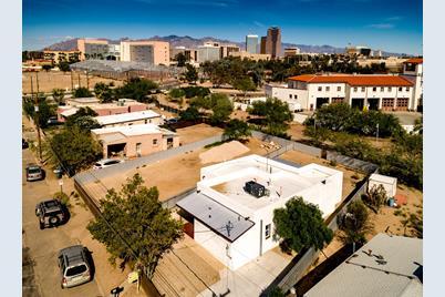425 S Sentinel Avenue - Photo 1