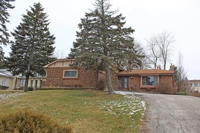 1043 W Lakeshore Dr Crown Point In 46307 Mls 469965 Coldwell Banker