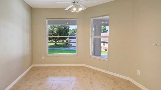 2430 Lakeview Ave - Photo 5