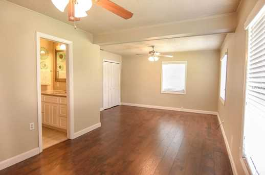 2208 Mitch Ct W - Photo 7