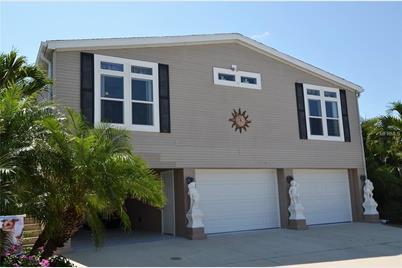 18 Alligator Ave, Punta Gorda, FL 33950 - MLS C7403149 - Coldwell Banker