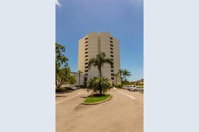 5950 Pelican Bay Plaza S 1101
