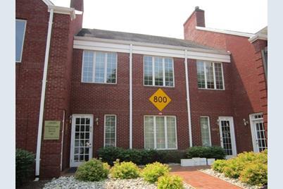 821 Courtyard Dr - Photo 1