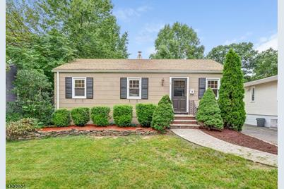 38 Grant Ave New Providence Nj 07974 Mls 3499232 Coldwell Banker