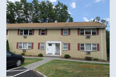 330 Franklin Ave #A-10 - Photo 1