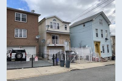 44 Crawford St , Newark, NJ 07102