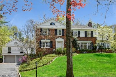 22 Troy Dr - Photo 1