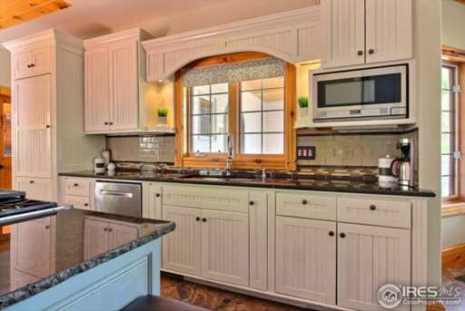 7910 Windsong Rd - Photo 9