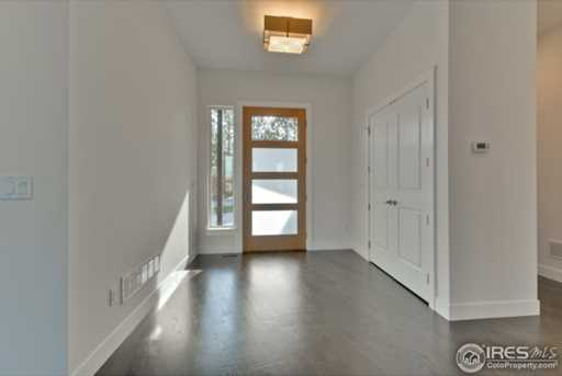 1095 Redwood Ave - Photo 5