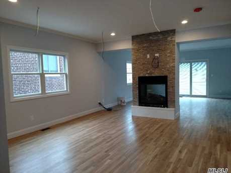 343 E Walnut St - Photo 3