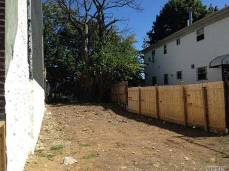 65 Montauk Ave - Photo 3