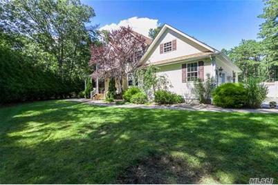 465 Moriches Middle Rd - Photo 1