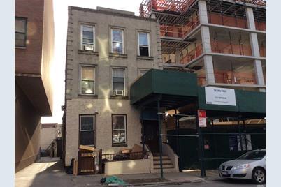 160 20th Street - Photo 1