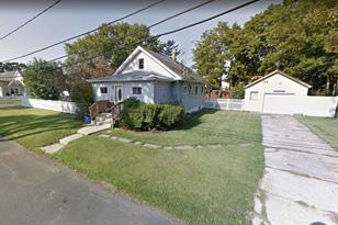105 Archer Ave - Photo 1
