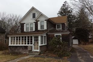 24 Chichester Ave - Photo 1