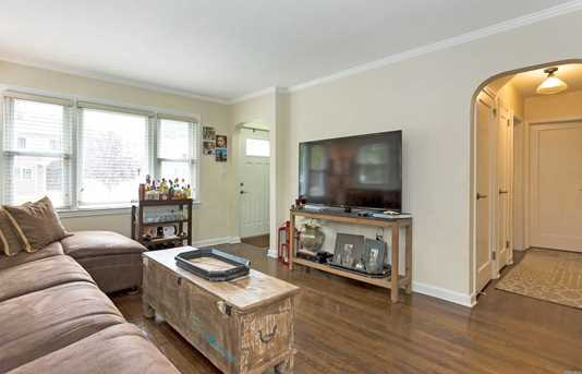 253 Collins Ave - Photo 3