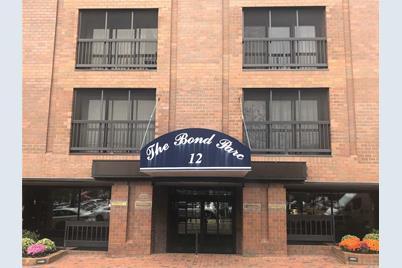 12 Bond St #2F - Photo 1