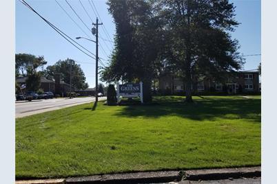 742 Deer Park Ave #8F - Photo 1