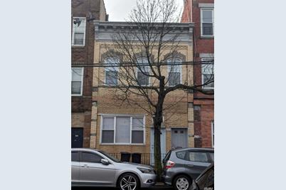 562 Grandview Ave - Photo 1
