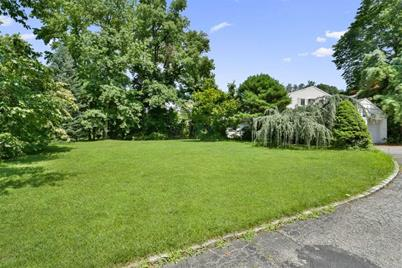 923 Middle Neck Rd - Photo 1