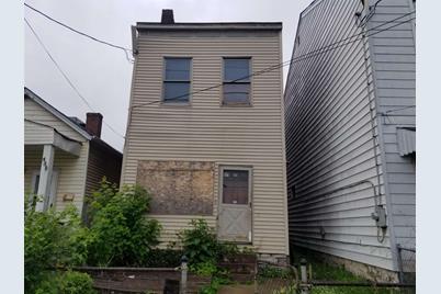 433 W 9th Street - Photo 1