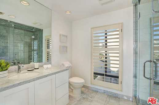 4 Sea Colony Dr - Photo 17