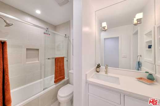 11910 Mayfield Ave #102 - Photo 21