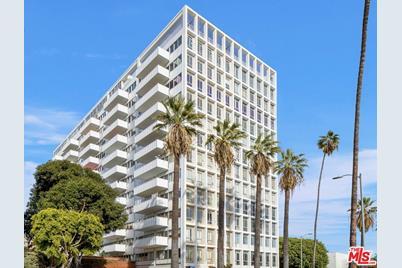 7135 Hollywood Boulevard #906 - Photo 1