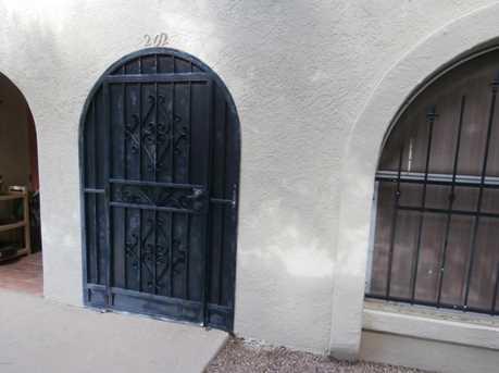 202 W Paseo Del Prado - Photo 1