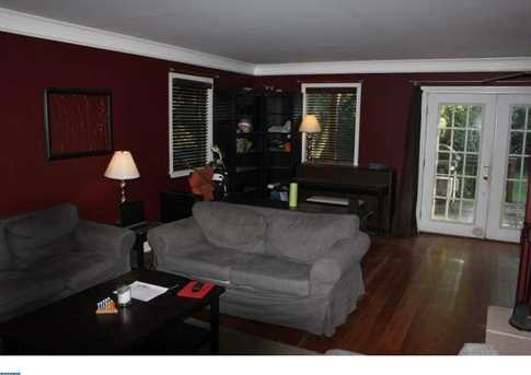 2420 Miller Ave - Photo 3
