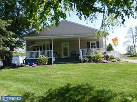 1699 Farmington Ave - Photo 1